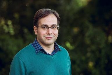 Dr Jamshid Derakhshan