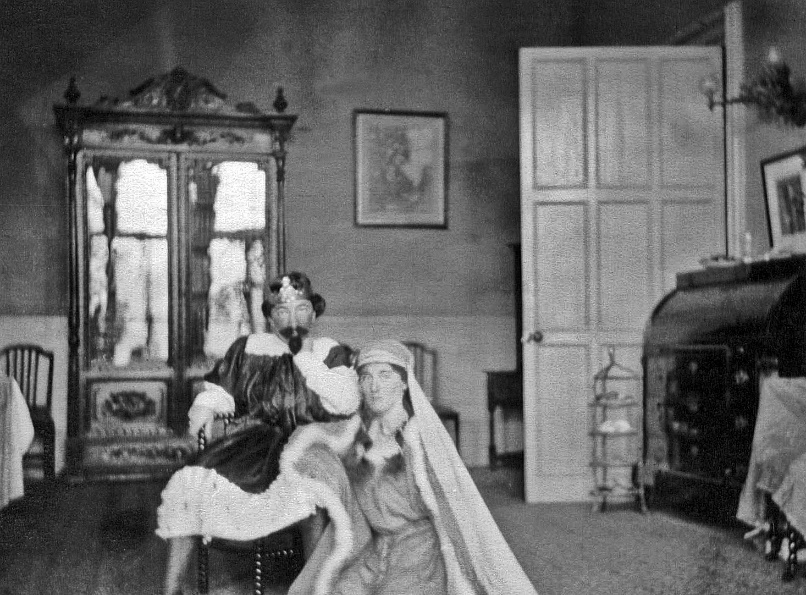 Student production of Hamlet c1916