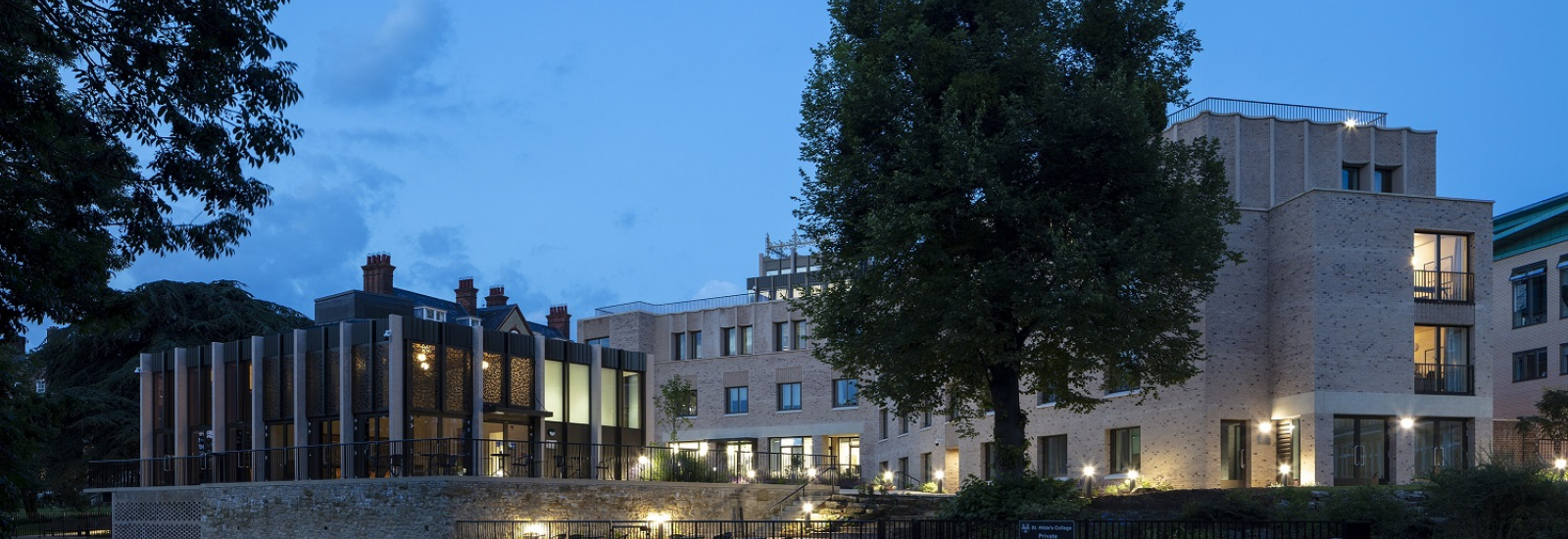 Pavilion and Anniversary Building at St Hilda's College photo by Nick Kane