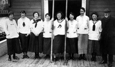 St Hilda's Rowing Crew, 1917