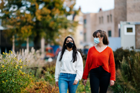 Students wearing face coverings, riverside walk, St Hilda's College