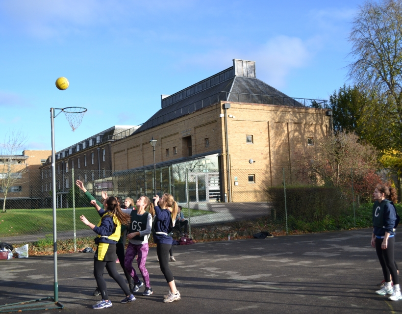 St Hilda's Netball Team at a match in Trinity Term 2015