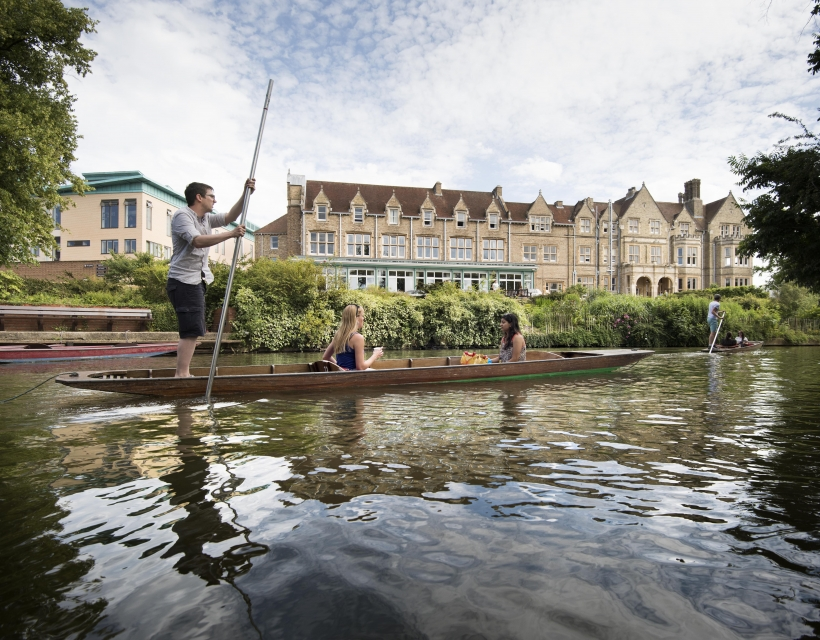 Punting past St Hilda's College, Oxford