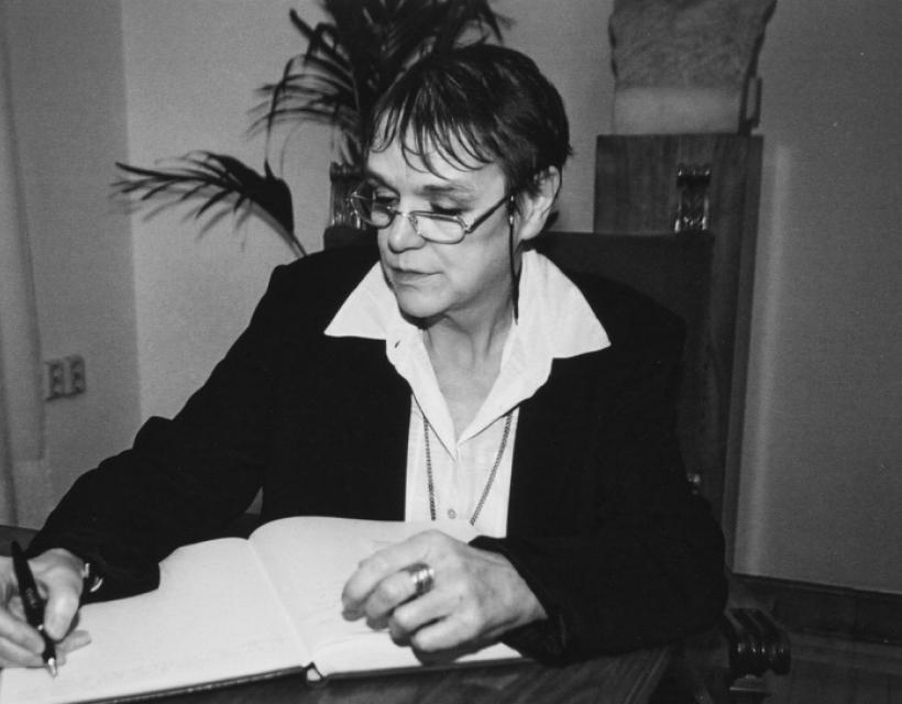 Kathy Wilkes