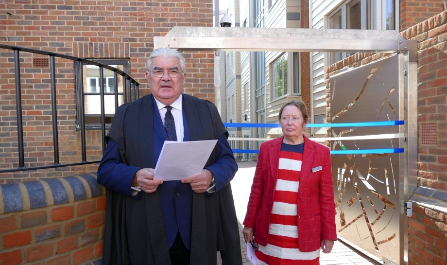 Sir Gordon and Lady Duff welcome guests to the opening of the Jocelyn Morris Quad