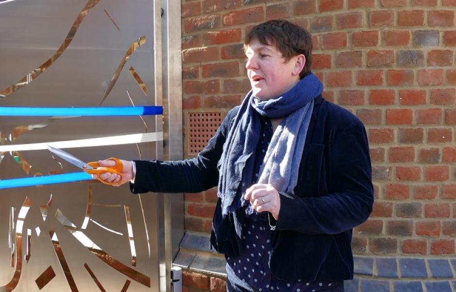 Cutting of the ribbon of the Jocelyn Morris Quad